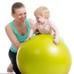 Как выбрать фитбол для грудничков