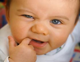 Прорезывание зубов у крохи