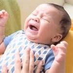 Холодные руки у грудничка: причины и что делать