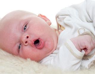 Малыш с ларингитом
