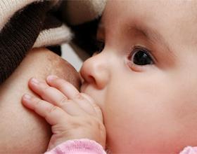 Сколько грудного молока должен съедать новорожденный