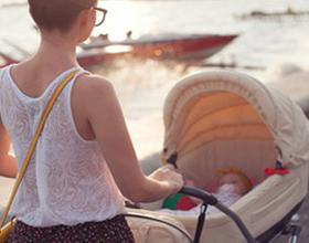 Прогулка с ребенком летом