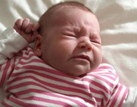 Чем и как лечить насморк у новорожденного