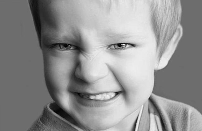 Ребенок с бруксизмом