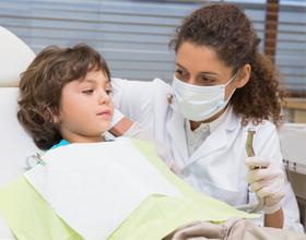 Ребенок на приеме у стамотолога