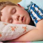 Если ребенок быстро устает: причины и как помочь